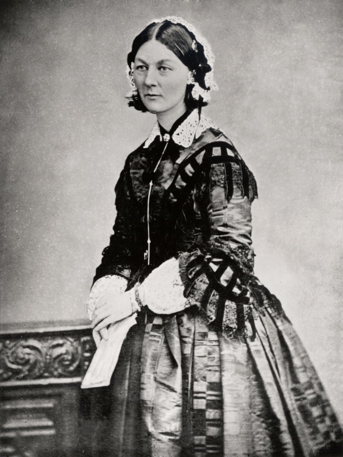 Florence_Nightingale_three_quarter_length